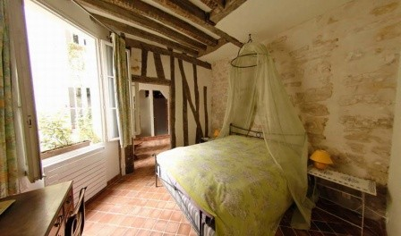 Bed breakfast in paris bonne nuit paris for Chambre de bonne paris location