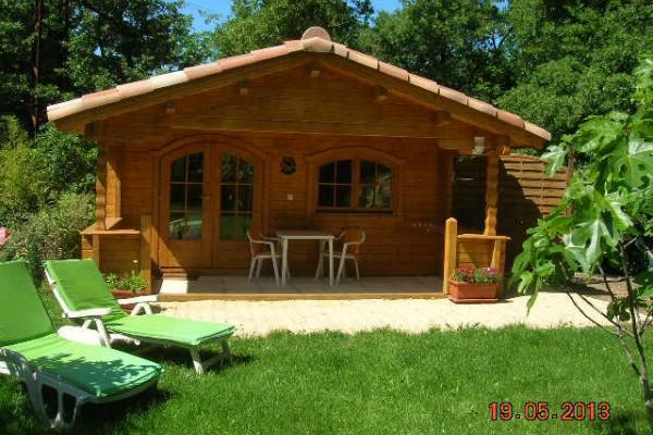 vakantiewoning in bouc bel air aix en provence chalet wellness l 39 emiline swimming pool. Black Bedroom Furniture Sets. Home Design Ideas